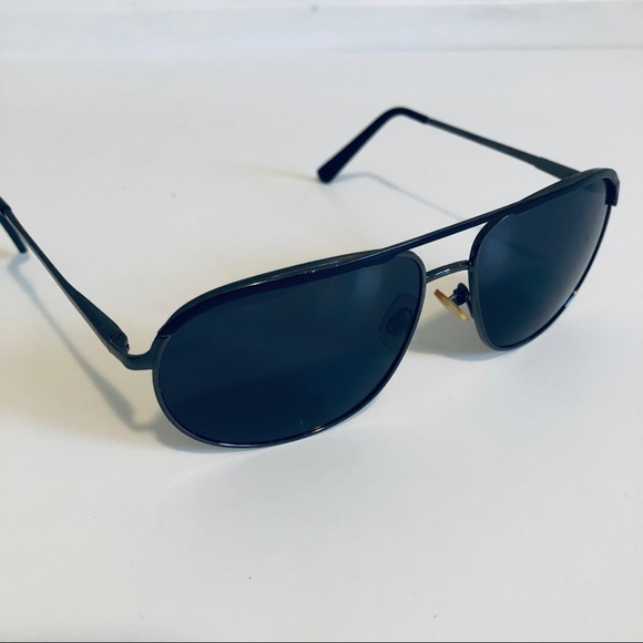 0eab96e08914 Express Other - Black Aviator Sunglasses from Express